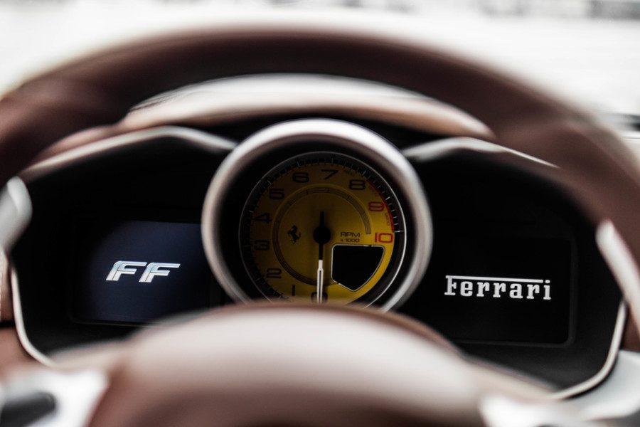 Ferrari FF meters