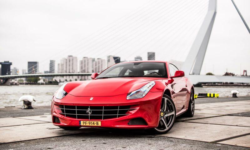 Ferrari FF rood
