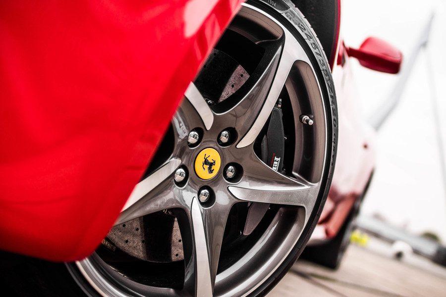 Ferrari ff rim
