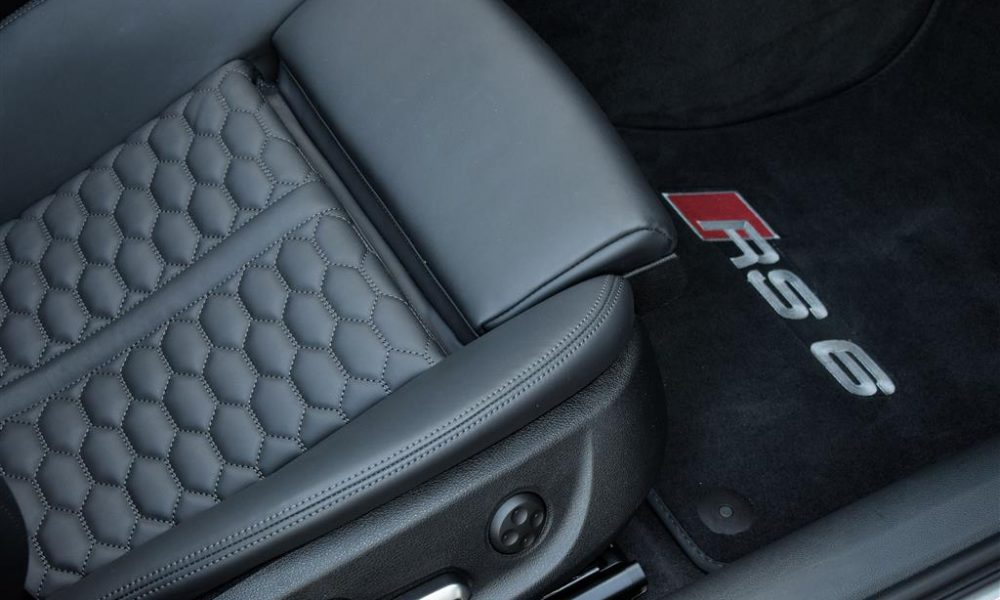 Audi rs6 stoel huren