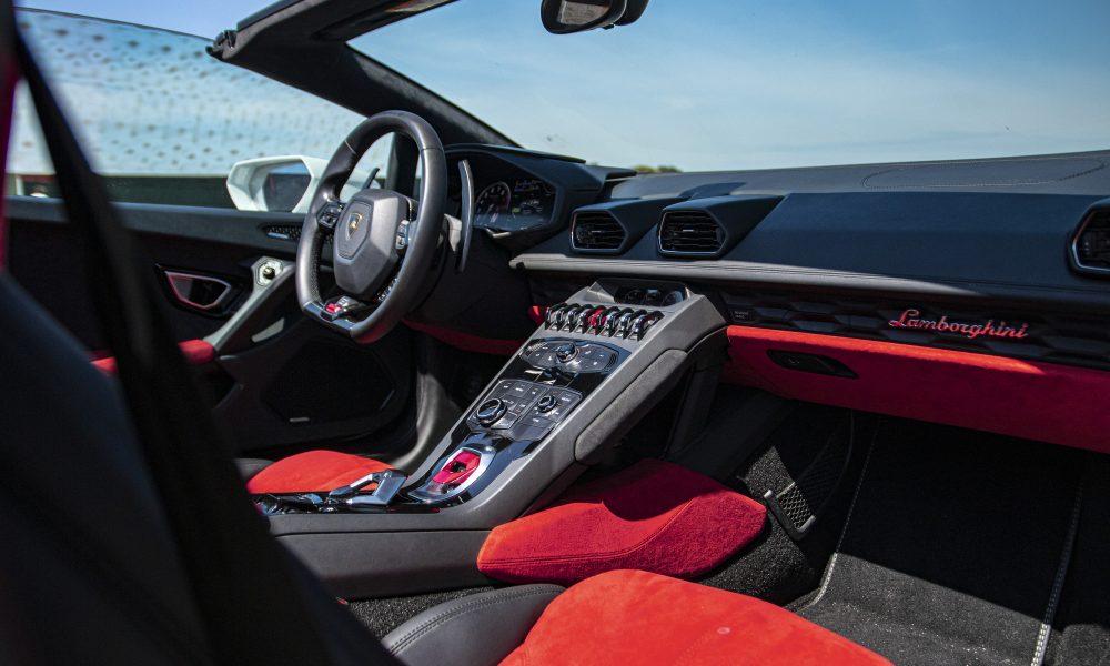 Lamborghini huracan LP610-4 spyder interieur huren
