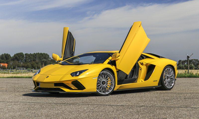 Lamborghini Aventador S deuren huren